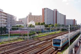 川口芝園団地と京浜東北線