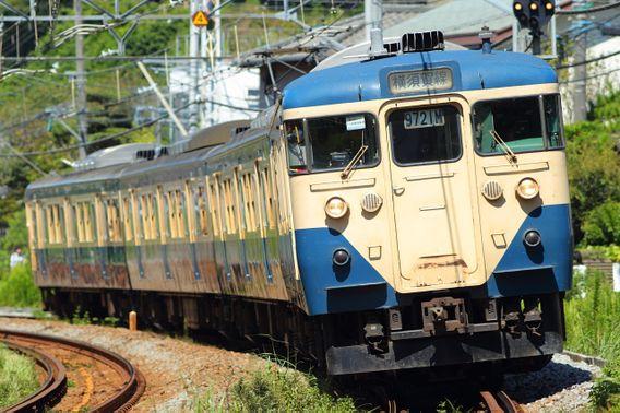 最後の横須賀線を行く113系スカ色