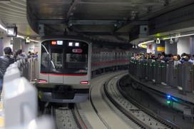 副都心線渋谷駅に到着する東横線5050系