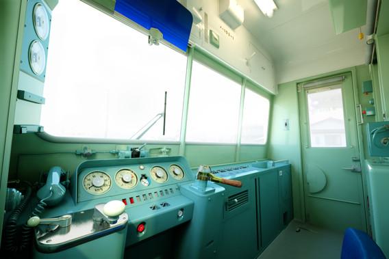 103系 運転室