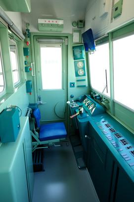 Tc103-1 運転室