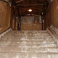 11 ホームへ続く階段