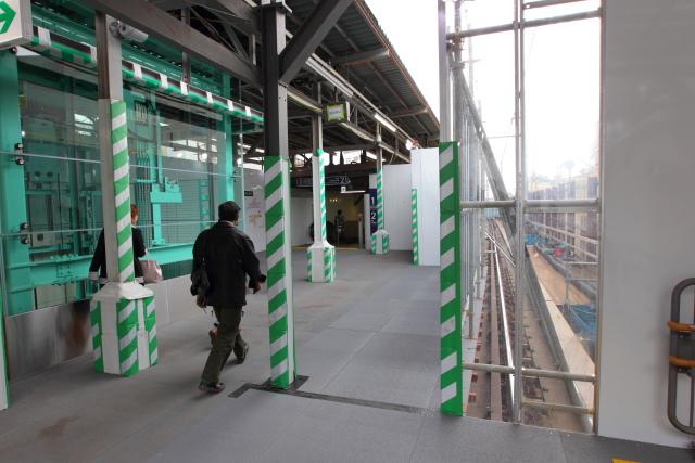 024 東北沢駅入り口