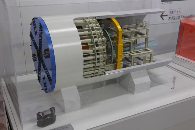 048 シールドマシンの模型